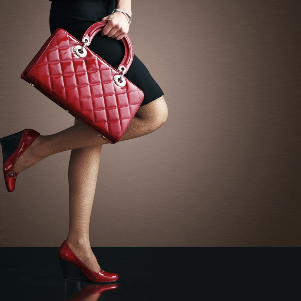 Embracing a Purse That Compliments You for the Fall