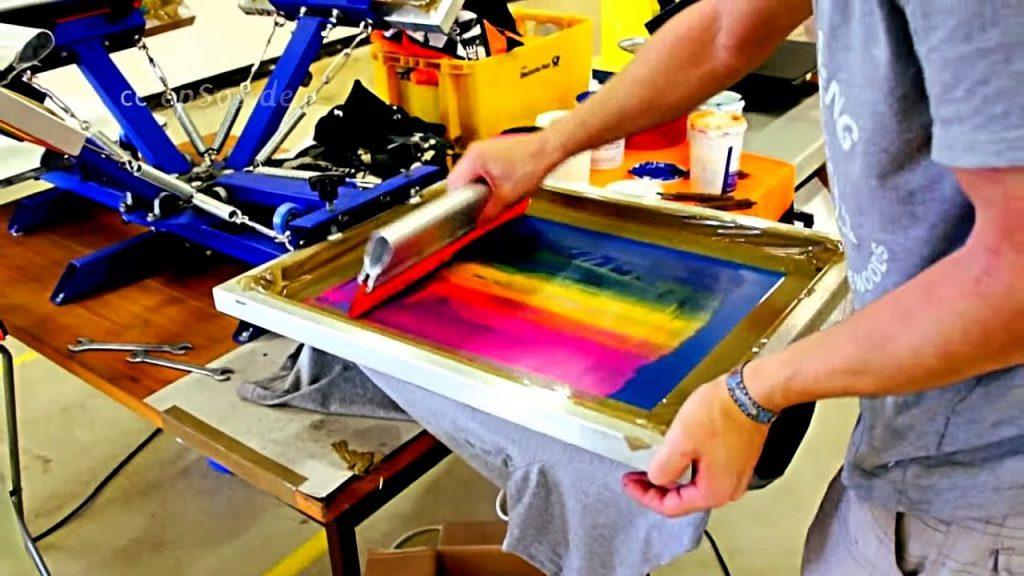 DIY Fashion: How to Screen Print A T-Shirt